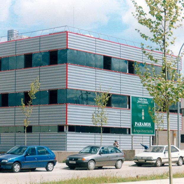 Edificación industrial, almacén y oficinas
