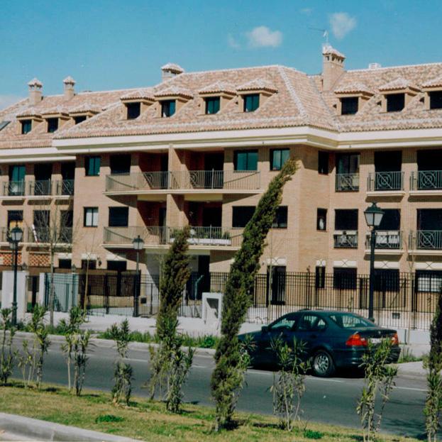 36 viviendas, oficinas, locales y garaje